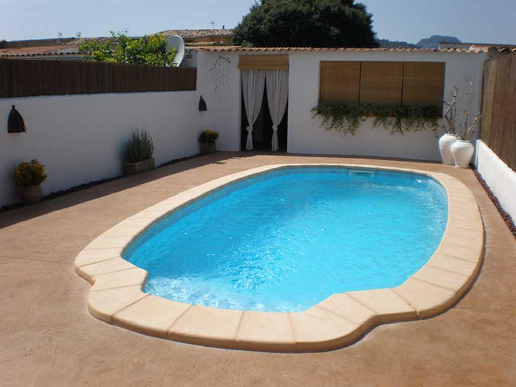 Piscinas de poliester precios instalaciones mantenimiento for Precio mantenimiento piscina